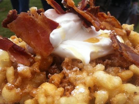 BACON 'N' CHEESE FUNNEL CAKE